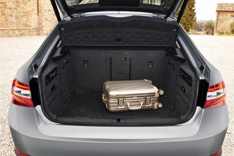 bagajı geniş arabalar