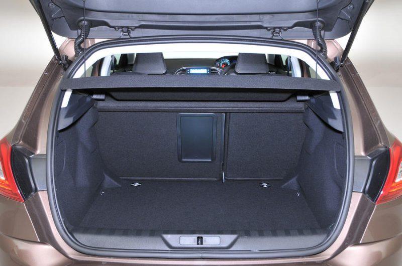 bagajı geniş hatchback arabalar